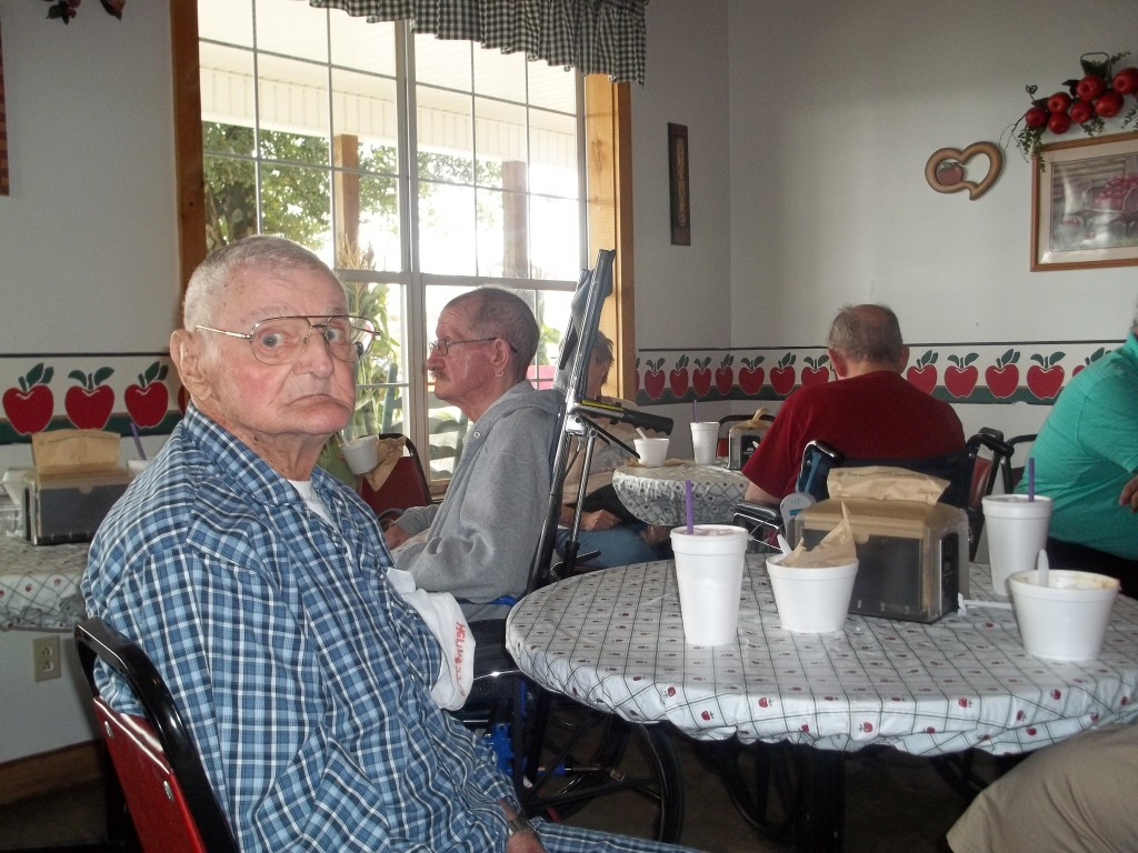 Residents Visit The Woodens Apple Barn Spring City Care And
